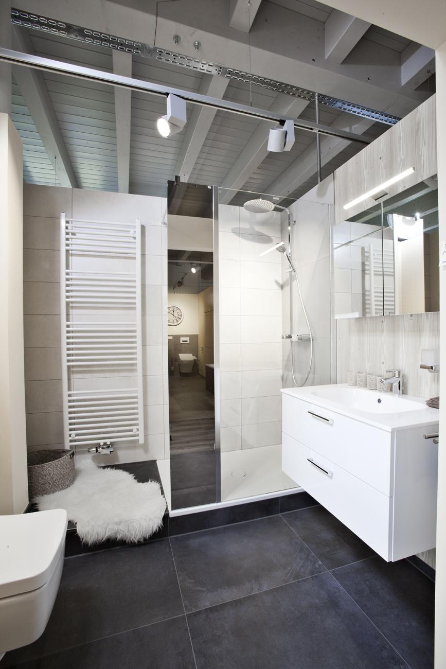 Klassisches Bad im zeitlosem Design